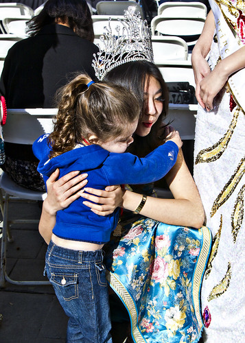hugging the queen