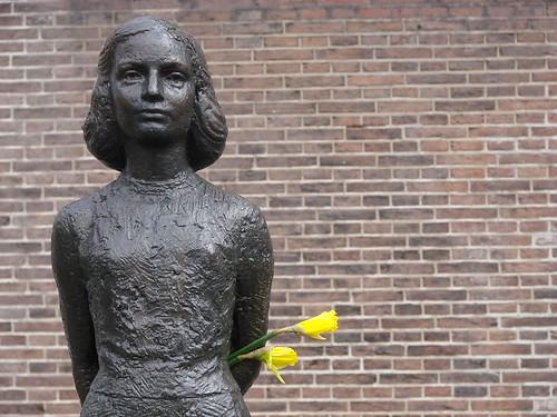 Anne Met Bloemen