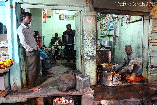 Tea shop on the alley - Varanasi, India