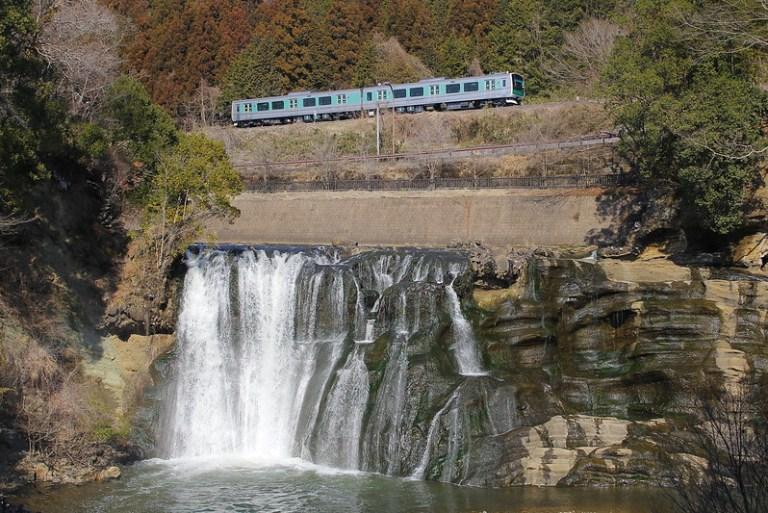 龍門の滝とACCUM