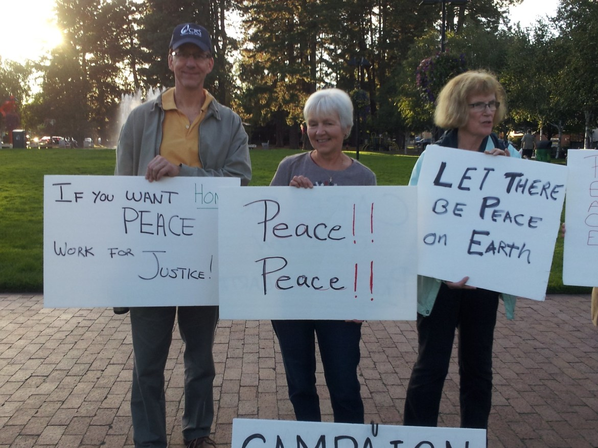 Beaverton, OR Peace Vigil CNV 2016 (3)