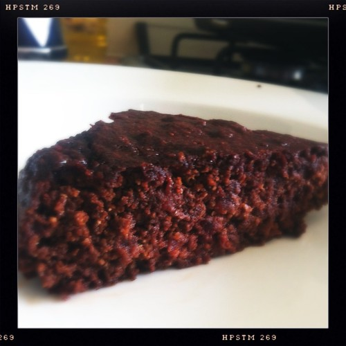 Flourless chocolate and beetroot cake