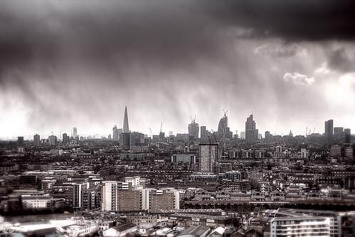 Raining in London by murphyz