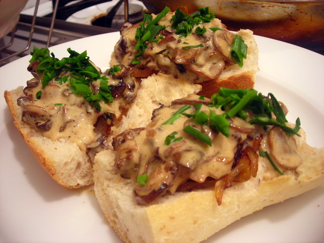 Creamed mushroom bruschetta, with caramelized onions