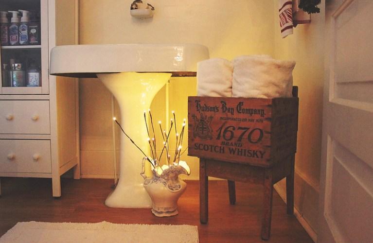 DIY Christmas Decor - Bathroom upgrades on a thrifty budget  | Alex Inspired