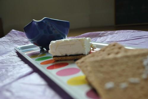 Ice cream sandwich tray