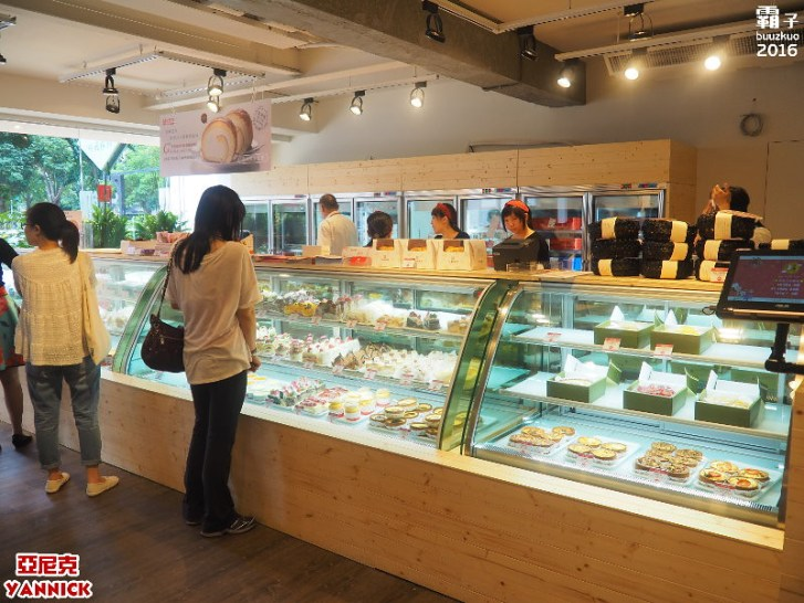 28904751144 1d1d7dcab2 b - 亞尼克台中旗艦店,知名生乳捲來台中展店,還有限定口味捏!