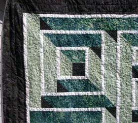 Labyrinth Quilt Close-up