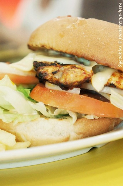 24.Grilled Chicken Burger-Marinated chicken breast on a bed of lettuce, tomato, onions, and cheese with chargrill's popular perinaise sauce-chargrill express_副本