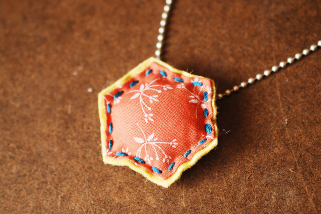 30 Colorful Hexagon Projects to Sew featured by top US sewing blog, Flamingo Toes: Hexagon Necklace