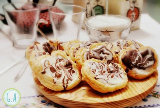 Palmeritas con chocolate blanco y negro