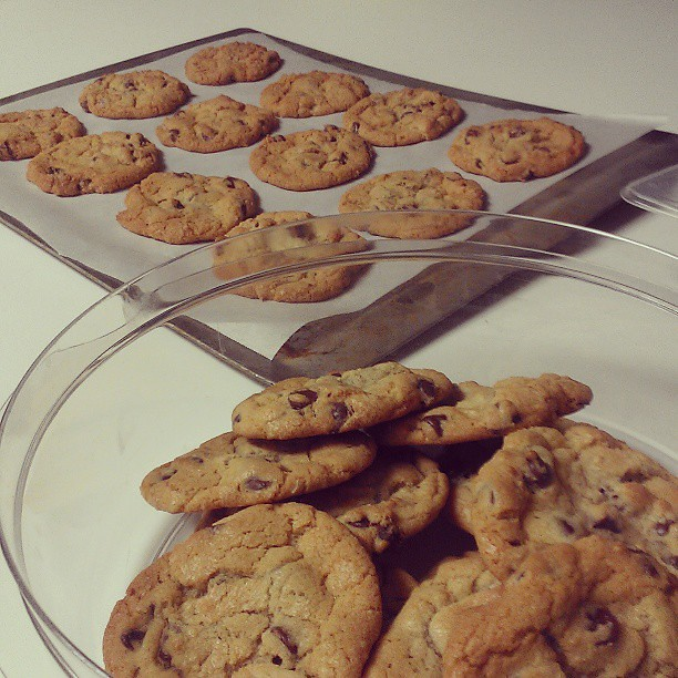 I ended my Sunday baking chocolate chip cookies for @kenyc24 - he only asked me if there would be cookies several times this week. I can take a hint.