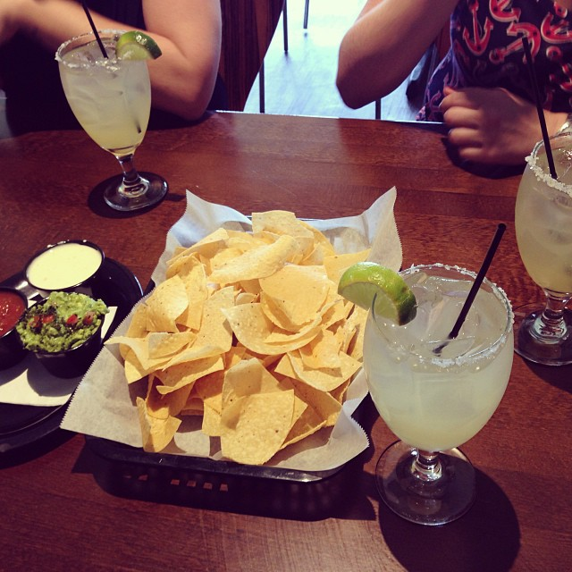 Grapefruit margaritas and lunch!
