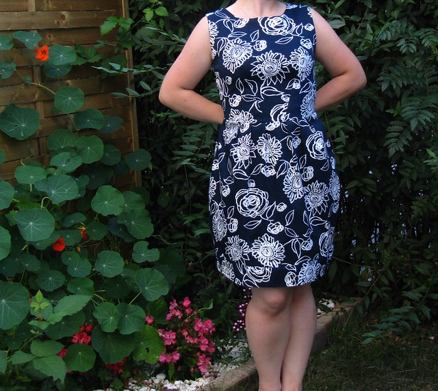 simplicity 2444 in dark blue (2)