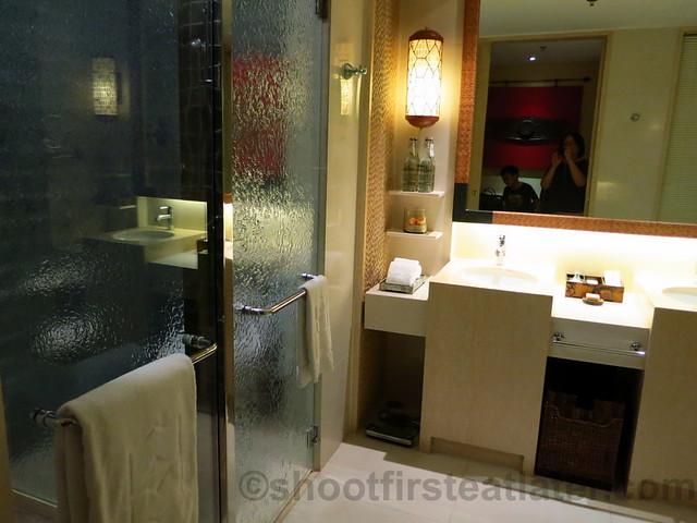 Shangri-La's Boracay Resort & Spa- premiere family seaview room-002
