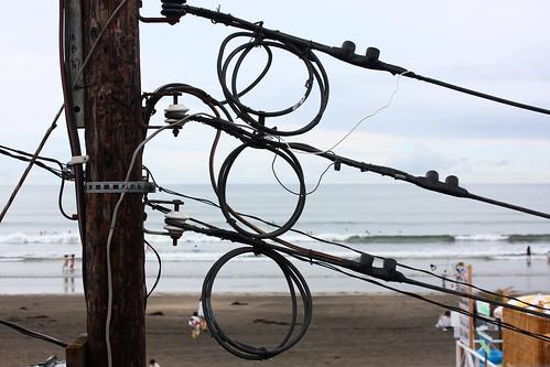 Wires on Kamakura beach