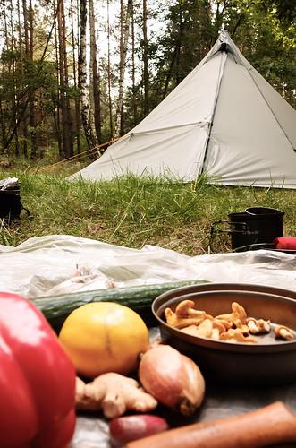 trail food by visualterrorist