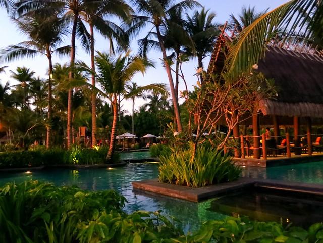 Shangri-La's Boracay Resort & Spa- pool-001