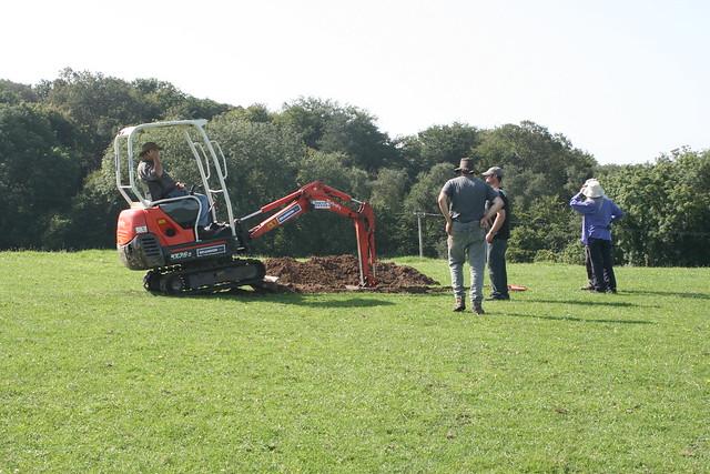 AVAS Excavation 19th August 2012