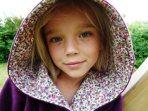 Hooded Ronja