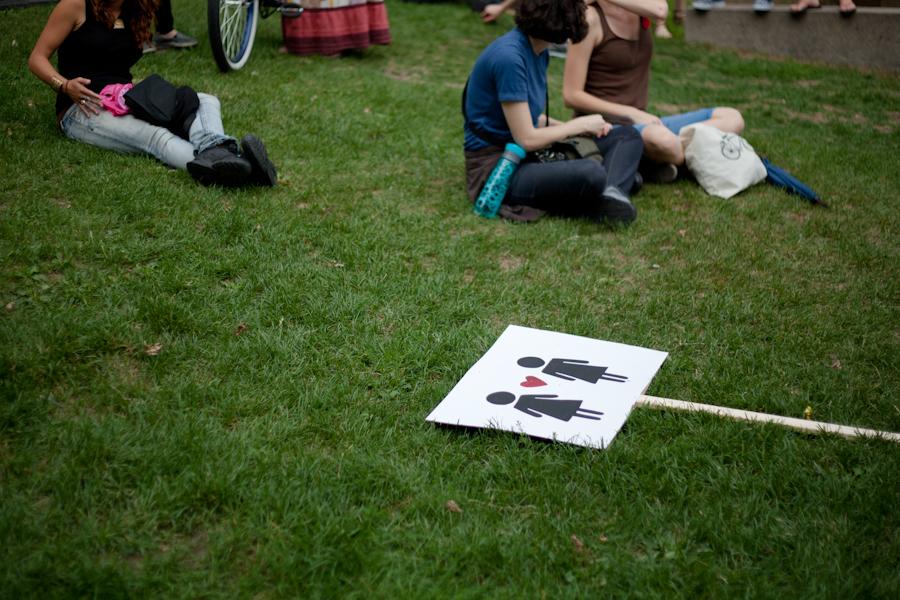 1ère marche des lesbiennes / 1st radical dyke march! [photos Thien V]