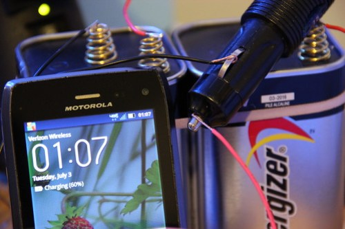 IMG_0522-charging a phone with a car inverter and two 6V batteries in series