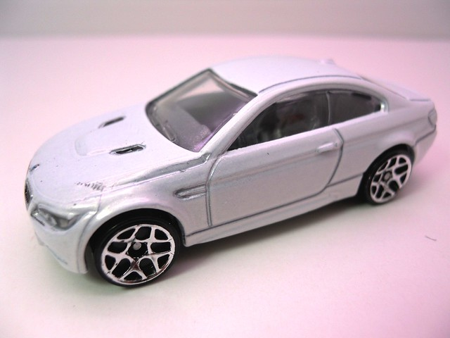 hot wheels '10 bmw m3 wht (2)