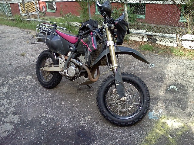 Last pic of Elsa, the DRZ400SM ... my pink & black perfect bike