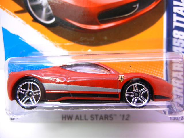 hot wheels ferrari 458 italia stripes  (2)