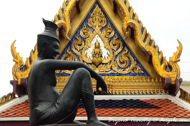 grand palace statue, bangkok