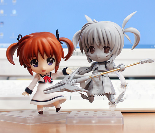 Displayed along with Nendoroid Nanoha: Seishoudai Primary School Uniform version