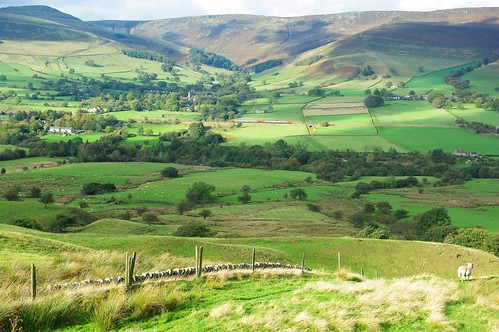20111016-21_Kinder Scout Across Vale of Edale from nr Hollins Cross by gary.hadden