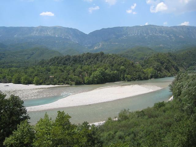 Arahthos river