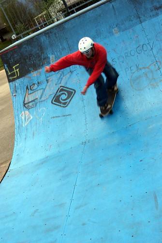 Dry Land Surfing Carver Skateboarding - Half Pipe