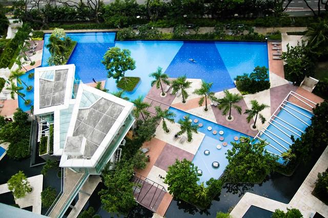 Singapore pool-1