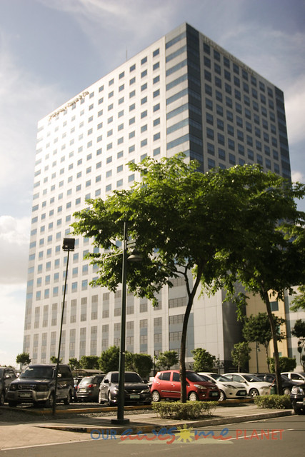 JP Morgan Chase Building BGC-2.jpg