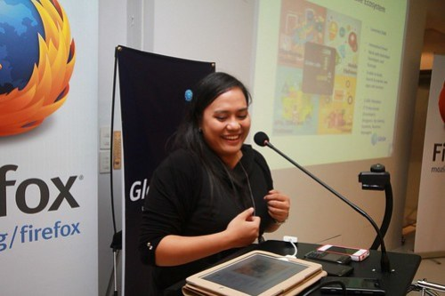 MozillaPH HTML5 & Firefox OS Roadshow: Ms. Michelle Santos of Globe Labs