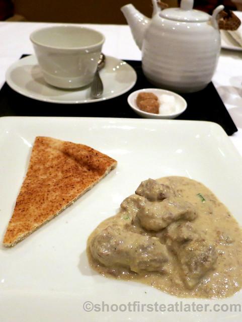 lamb korma & flat bread