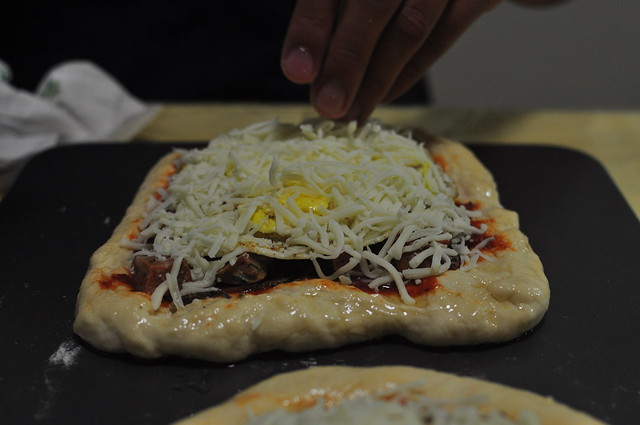 meat and egg pizza 09
