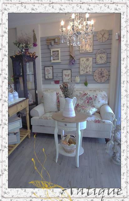 ● [Home] 沙發&餐桌椅組 在安堤卡塵埃落定