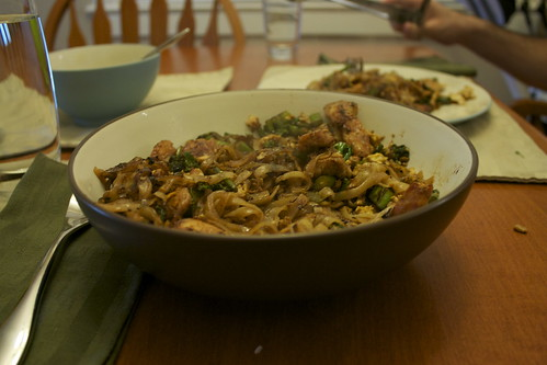 Thai-Style Noodles with Chicken