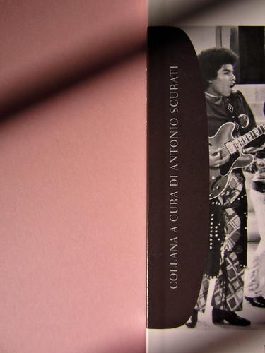 Luca Scarlini, La sindrome di Michael Jackson. Bambini, prodigi, traum. Bompiani 2012. Copertina: Paola Bertuzzi; progetto grafico: Poljstudio. Copertina (part.), 2