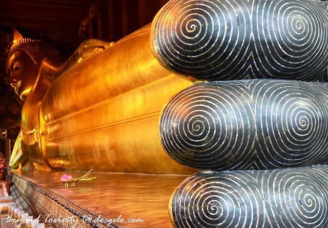 another feet shot, reclining buddha, bangkok