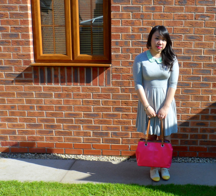 outfit and pink bag