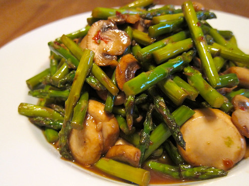 General Tso's Asparagus and Mushroom (左宗棠蘑菇蘆筍)