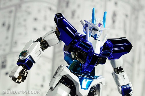 ANA 00 Raiser Gundam HG 1-144 G30th Limited Kit OOTB Unboxing Review (40)