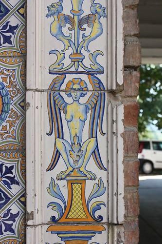 20120814_5569_Deruta-ceramic-entrance-detail
