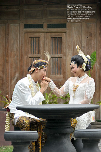 Romantic Photo Wedding by Poetrafoto Indonesia Photographer by POETRAFOTO - Wedding Photographer Indonesia