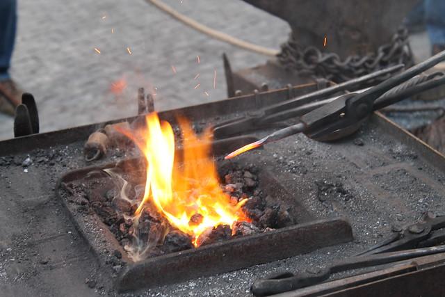 Project 52 2012 #40: Beat it while it's hot / Il faut battre le fer tant qu'il est encore chaud.