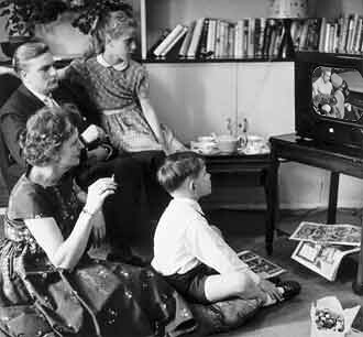 Old Timey Family Watching Sheamus vs. Randy Orton on TV